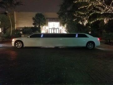 Chrysler 300 outside discovery gardens