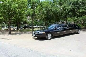 Lincoln Town Car Limo